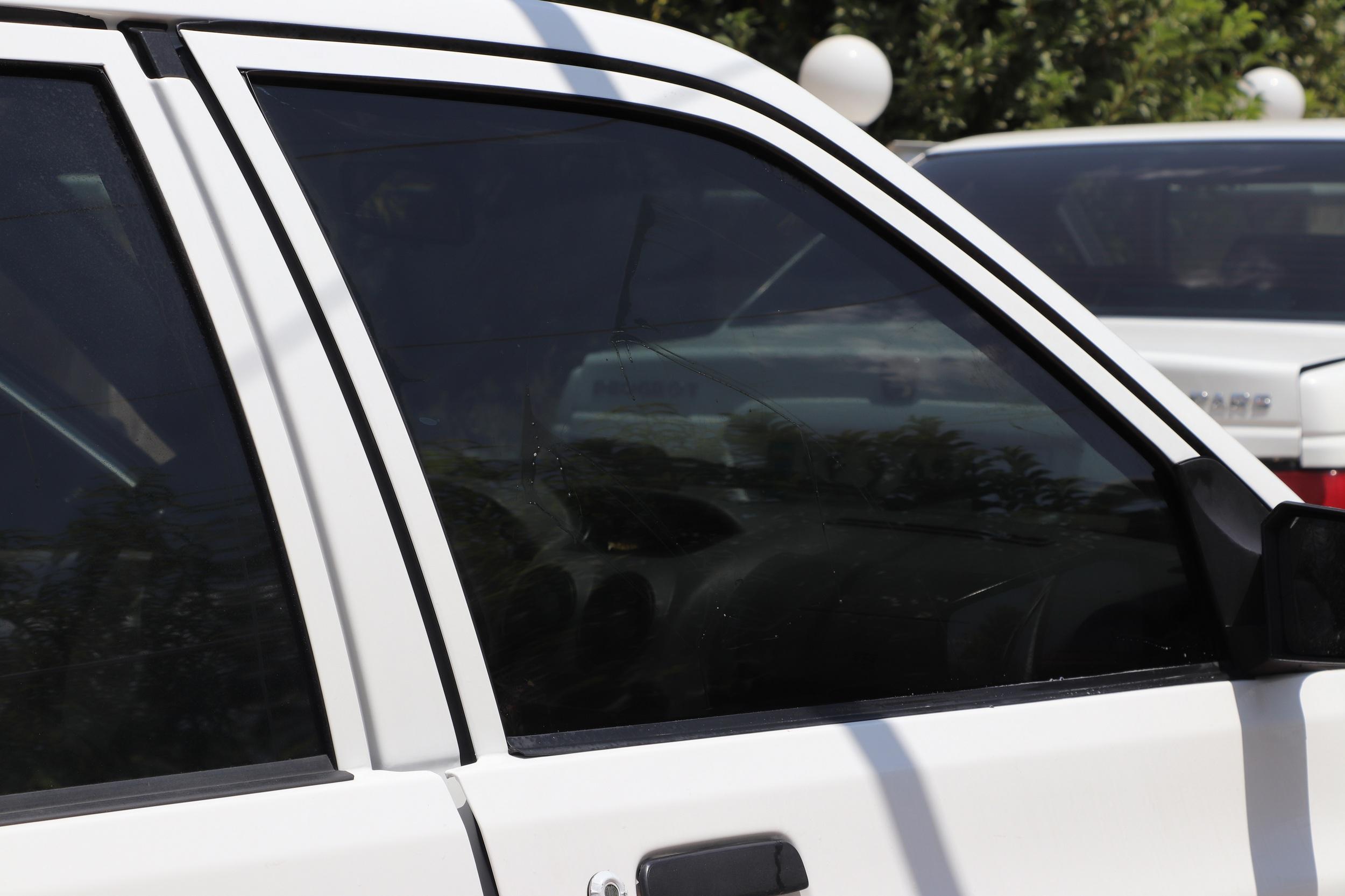 برچسب دودی شیشه خودرو مدل QUALITY USA مناسب برای خودروی پراید